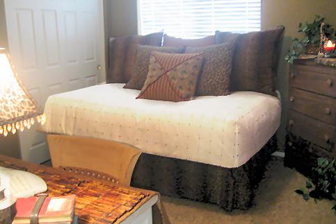 Decocasa en colombia cuando las camas son tambi n sof s - Como colocar cojines en la cama ...
