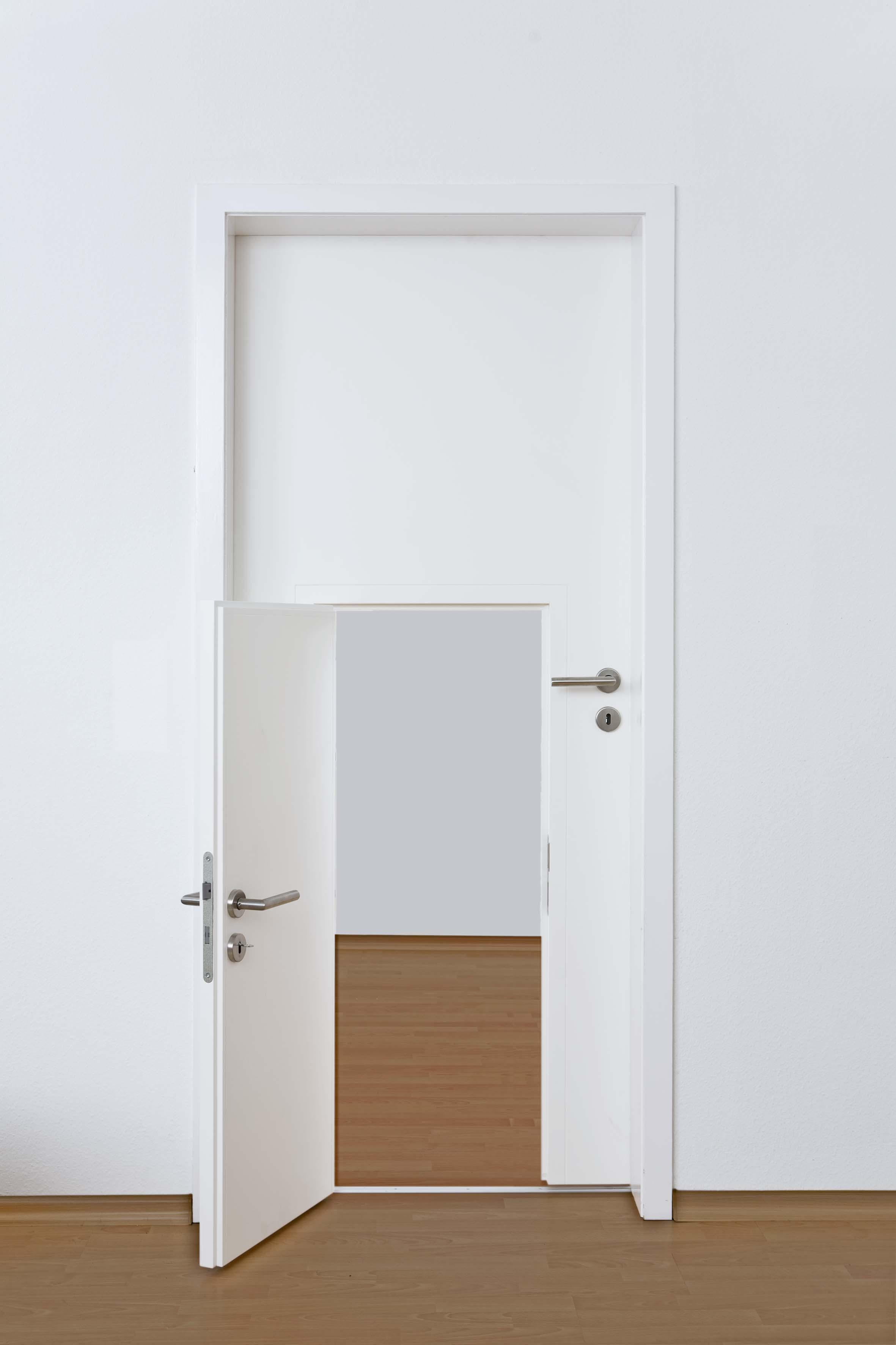Decocasa en colombia mini puertas para los m s peque os for Puertas para banos pequenos