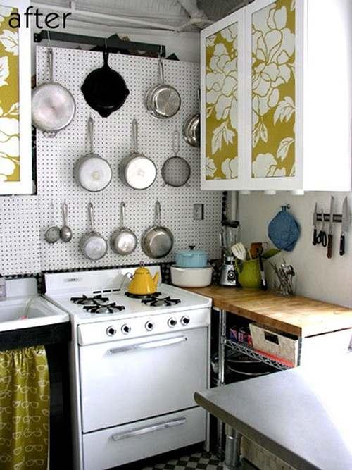 esta cocina rstica s que ha sabido aprovechar el espacio para ello se vali de estantes y mesadas dos formas de aumentar el espacio de guardado y de